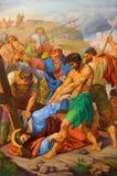 Wien - Jesus nedgång under kors. En del av den arga vägen från. cent 19. i gotiska kyrkliga Maria f.m. Gestade Royaltyfria Bilder