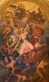 WIEN - JULI 27: Ärkeängel Michael och krig med den dåliga ängelplatsen av Leopold Kupelwieser från 1860 Royaltyfria Bilder
