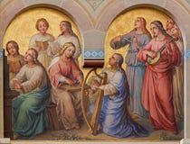 Wien - kör av heliga kvinnor i himlen av Josef Kastner från 1906 - 1911 i den Carmelites kyrkan arkivbilder