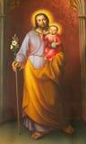 Wien - målarfärg av St Joseph från huvudsakligt skepp av gotiska kyrkliga Maria f.m. Gestade Royaltyfria Foton