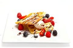 Wiener Nachtischwaffeln mit Eiscreme Lizenzfreie Stockfotos