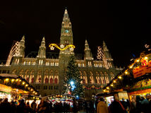 Wiener Rathaus. Vienna town hall with the Christmas market in the front Royalty Free Stock Images