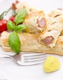 Wienerkorv och smördeg royaltyfri fotografi