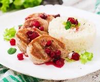Wieprzowina medalionów stek z cranberry kumberlandem Zdjęcia Royalty Free
