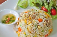 wieprzowina smażący ryż Zdjęcia Stock