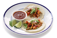 Wieprzowiny i kaktusa tacos zdjęcia royalty free
