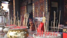 Wierook Joss Sticks Burning in Tempel 1080p stock video