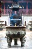 Wierookbrander bij de Tempel van de Stadsgod, Zhujiajiao, China royalty-vrije stock foto