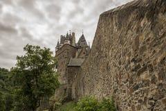 WIERSCHEM, DUITSLAND, 30 JUNI, 2017: Burg Eltz in Rijnland-Palatinaat Stock Fotografie