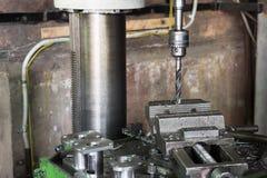 Wiertnicza maszyna Świderu kawałek instaluje w świderu chucku Zdjęcie Stock