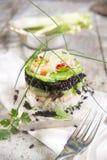 Wierza czarny i biały ryż z garnelą i zucchini Zdjęcia Royalty Free
