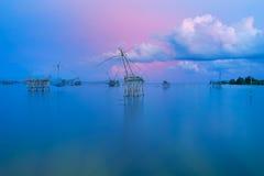Wierza dla widoków panorama wschód słońca przy Thale Noi w Phatthalung i zmierzch, Tajlandia Fotografia Royalty Free