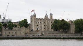 Wierza Londyn w Londyn, Anglia, widok od nadmiernego Rzecznego Thames fotografia royalty free
