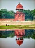 Wierza na banku rzeka agra fort bramy indu czerwone Fotografia Stock