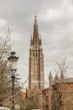 Wierza Nasz dama kościół - Brugge, Belgia. Obrazy Royalty Free