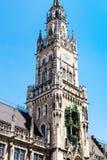 Wierza Nowy urząd miasta Neues Rathaus w Monachium Zdjęcia Stock