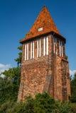 Wierza poprzedni miasto izoluje fortyfikacje w Wismar Obrazy Stock