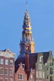 Wierza ` starego Kościelnego ` Amsterdam's stary budynek i farny kościół, uświęcać w 1306 biskupem Utrecht, Amsterdam Obraz Stock