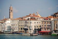 Wierza Wzrasta nad kanał grande Wenecja Zdjęcie Royalty Free