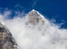 Wierzchołek Lhotse z chmurami na wierzchołku Zdjęcie Royalty Free