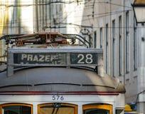 Wierzchołek sławna 28 tramwajów linia w Lisbon Fotografia Royalty Free
