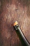 Wierzchołek szampańska butelka z korkiem. Fotografia Stock