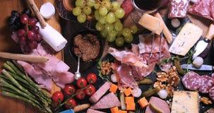 Wierzchołka puszka widok półmisek leczący mięsny charcuterie zdjęcia stock