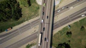 Wierzchołka puszka widok z lotu ptaka transport autostrady wiadukt, ringway, rondo obrazy royalty free