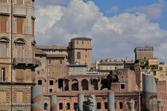 Wierzchołek antyczni budynki Trajan forum i kolumny Fotografia Royalty Free