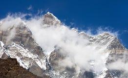 Wierzchołek góra Lhotse Shar z chmurami i Lhotse Fotografia Stock