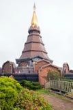 Wierzchołek pagoda z Chmurnym Obraz Royalty Free