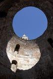 Wierzchołek wierza katedra w otwarciu przedsionek Zdjęcia Stock