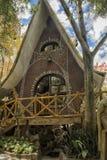 Wiesza Nga pensjonat, powszechnie znać jako Szalony dom Obrazy Stock