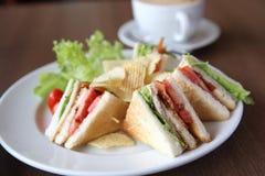 świetlicowa kawowa kanapka Zdjęcia Royalty Free
