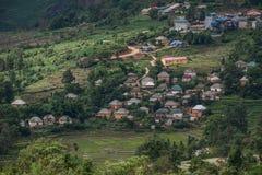 Wietnam tradycyjny dom przy górską wioską obraz royalty free