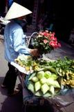 Wietnamscy sprzedawanie kwiaty Zdjęcia Royalty Free
