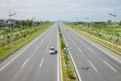 Wietnamska autostrada Vo Nguyen Giap ulica Legendarny Nguyen Giap wymienia dla ważnej nowożytnej ulicy w 2014 Zdjęcie Royalty Free