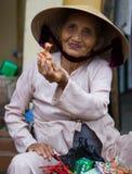 Wietnamska kobieta mówi cześć Zdjęcie Stock
