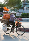 Wietnamski dustwoman, Saigon, Wietnam Zdjęcie Royalty Free