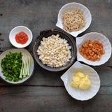 Wietnamski uliczny jedzenie, kukurudza smażył wysuszonej garneli Obrazy Royalty Free