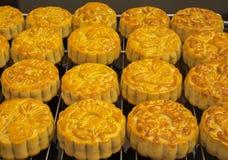 Wietnamski w połowie jesień festiwalu tort Mooncakes są tradycyjnymi ciastami jedzącymi podczas jesień festiwalu Festiwal pogmatw Zdjęcie Royalty Free
