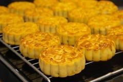 Wietnamski w połowie jesień festiwalu tort Mooncakes są tradycyjnymi ciastami jedzącymi podczas jesień festiwalu Festiwal pogmatw Zdjęcia Royalty Free