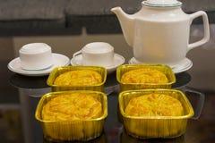 Wietnamski w połowie jesień festiwalu tort Mooncakes są tradycyjnymi ciastami jedzącymi podczas jesień festiwalu Festiwal pogmatw Fotografia Stock