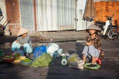 Wietnamskie kobiety przy rynkiem, Nha Trang, Wietnam Obrazy Royalty Free