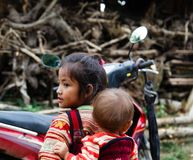Wietnamskie małe dziewczynki od Hmong plemienia fotografia stock