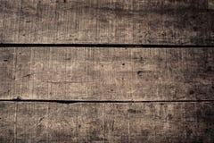 Wietrzejąca drewniana deski ściana z ciemnym grunge stylem w Indonesia i stół obraz stock