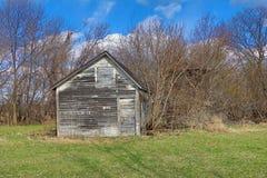 Wietrzejący Biały Rolny budynek zdjęcie royalty free