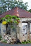 Wietrzejący i rdzewiejący budynek Obrazy Royalty Free
