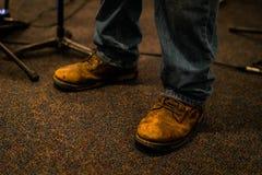 Wietrzejący praca buty Robić skóra zdjęcie royalty free