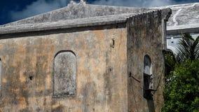 Wietrzejący w textured malować ścianach w tropikalnym klimacie Fotografia Royalty Free